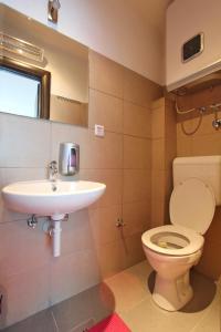 A bathroom at Hostel Massimo