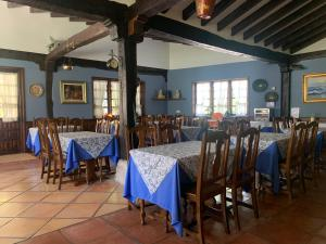 A restaurant or other place to eat at Hotel Siglo XVIII