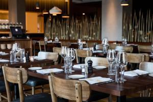 Restaurant ou autre lieu de restauration dans l'établissement The Study at University City, Study Hotels