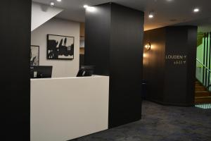 The lobby or reception area at Mercure Welcome Melbourne