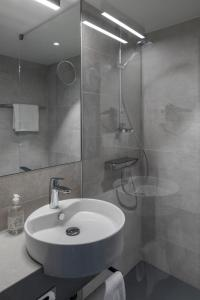 A bathroom at Hotel Rainers21