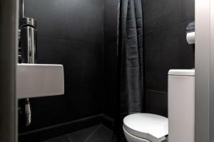 Ванная комната в RentalSPb on Orlovsky Pereulok 3
