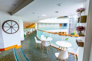 The lounge or bar area at Daresbury Park Hotel & Spa