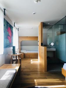 A bathroom at Landgasthof Waldvogel