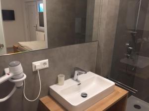 A bathroom at Apartments Thomas Britsch