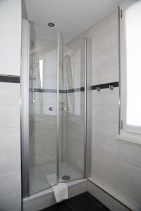 A bathroom at Hotel & Gästehaus Seehof