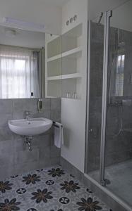 Ein Badezimmer in der Unterkunft Gästehaus Nikolai