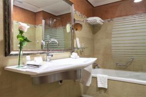 Un baño de Hotel Bécquer