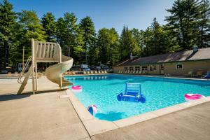 The swimming pool at or close to Adirondack Gateway RV Resort and Campground