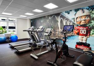 The fitness center and/or fitness facilities at Graduate Columbia