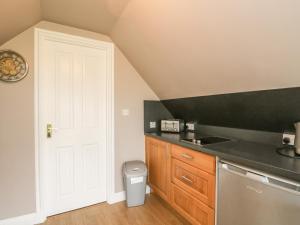 A kitchen or kitchenette at Little Lochlair