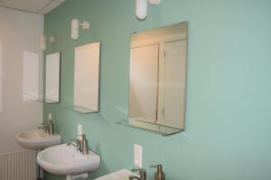 A bathroom at B&B 't Steurgat