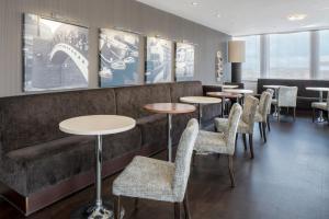 The lounge or bar area at Hampton by Hilton Birmingham Broad Street