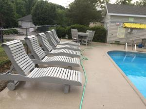 The swimming pool at or near Lake Cumberland Resort