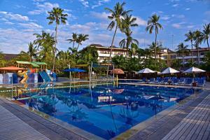 Piscina de la sau aproape de Prama Sanur Beach Bali