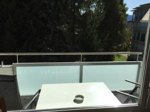 Ein Balkon oder eine Terrasse in der Unterkunft Studio Riedwiese