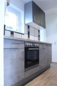 A kitchen or kitchenette at 109 Wilhelmstraße