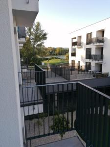 Balkón alebo terasa v ubytovaní Green Bay Residence Apartment C3.03