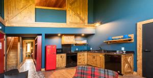 A kitchen or kitchenette at Great Wolf Lodge Waterpark Resort