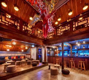 Lounge oder Bar in der Unterkunft Hotel Ling Bao, Phantasialand Erlebnishotel