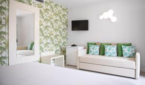 Cama o camas de una habitación en Hotel Cristal Praia Resort & Spa