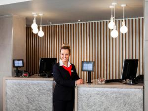The lobby or reception area at Park Inn by Radisson Northampton Town Centre