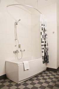 A bathroom at Kolonna Hotel Rēzekne