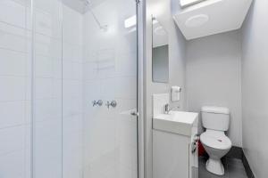 A bathroom at Shelly Beach Holiday Park