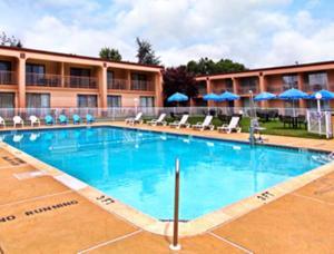 The swimming pool at or near Motel 6-Philadelphia, PA - Northeast