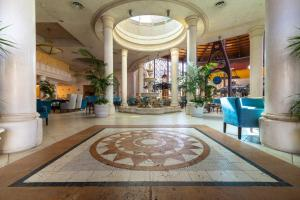 The lobby or reception area at Hotel Cordial Mogán Playa
