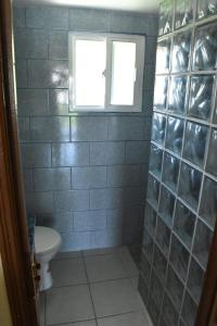 A bathroom at Lydia's Guesthouse
