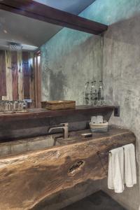 A bathroom at Be Tulum Beach & Spa Resort