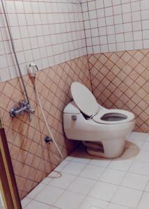 Um banheiro em Al NayfahFurnished units