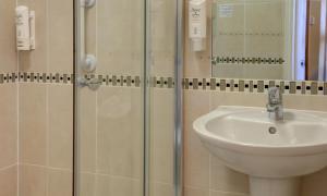 A bathroom at Best Western London Highbury