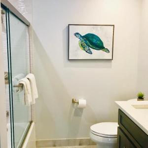 A bathroom at Sea Turtle Inn