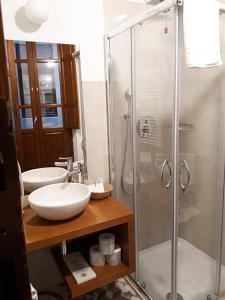 A bathroom at Art Guest House