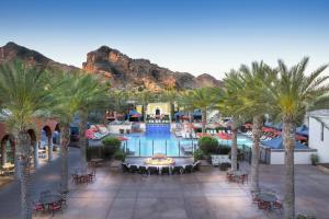 Omni Scottsdale Resort & Spa at Monteluciaにあるレストランまたは飲食店