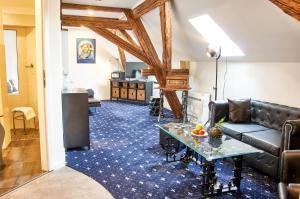 """Ein Sitzbereich in der Unterkunft """"Alte Pension"""" Bautzen"""