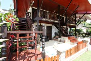 A restaurant or other place to eat at Ao Nang Home Stay - Adults Only