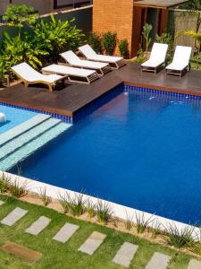 A piscina localizada em Casarão da Ferradura B&B ou nos arredores