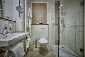 A bathroom at Hotel Herzog Heinrich