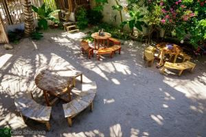 A restaurant or other place to eat at Canto de Caracola