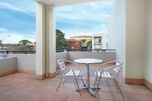 A balcony or terrace at Wollongong Serviced Apartments