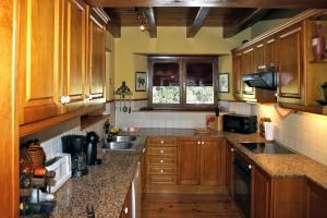 A kitchen or kitchenette at Salardu magnifica casa