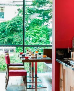 A restaurant or other place to eat at Park Inn by Radisson Aberdeen