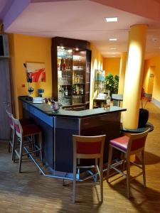 The lounge or bar area at Nashira Kurpark Hotel -100 prozent barrierefrei-