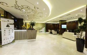 O saguão ou recepção de Tobal Al Zahra Hotel Apartments