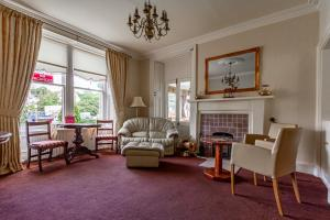 A seating area at Atholl Villa Guest House