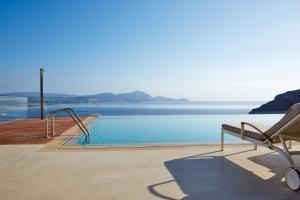 Poolen vid eller i närheten av Lindos Blu Luxury Hotel-Adults only