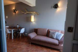 A seating area at Casa Verdazul